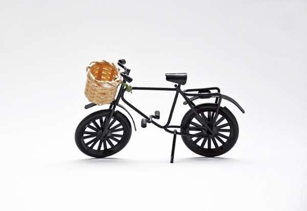 Deko-Fahrrad - schwarz mit Korb