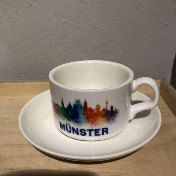 Tasse und Untertasse - Münster Skyline bunt